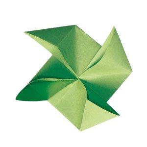 origami vert en forme de pales de moulin à vent